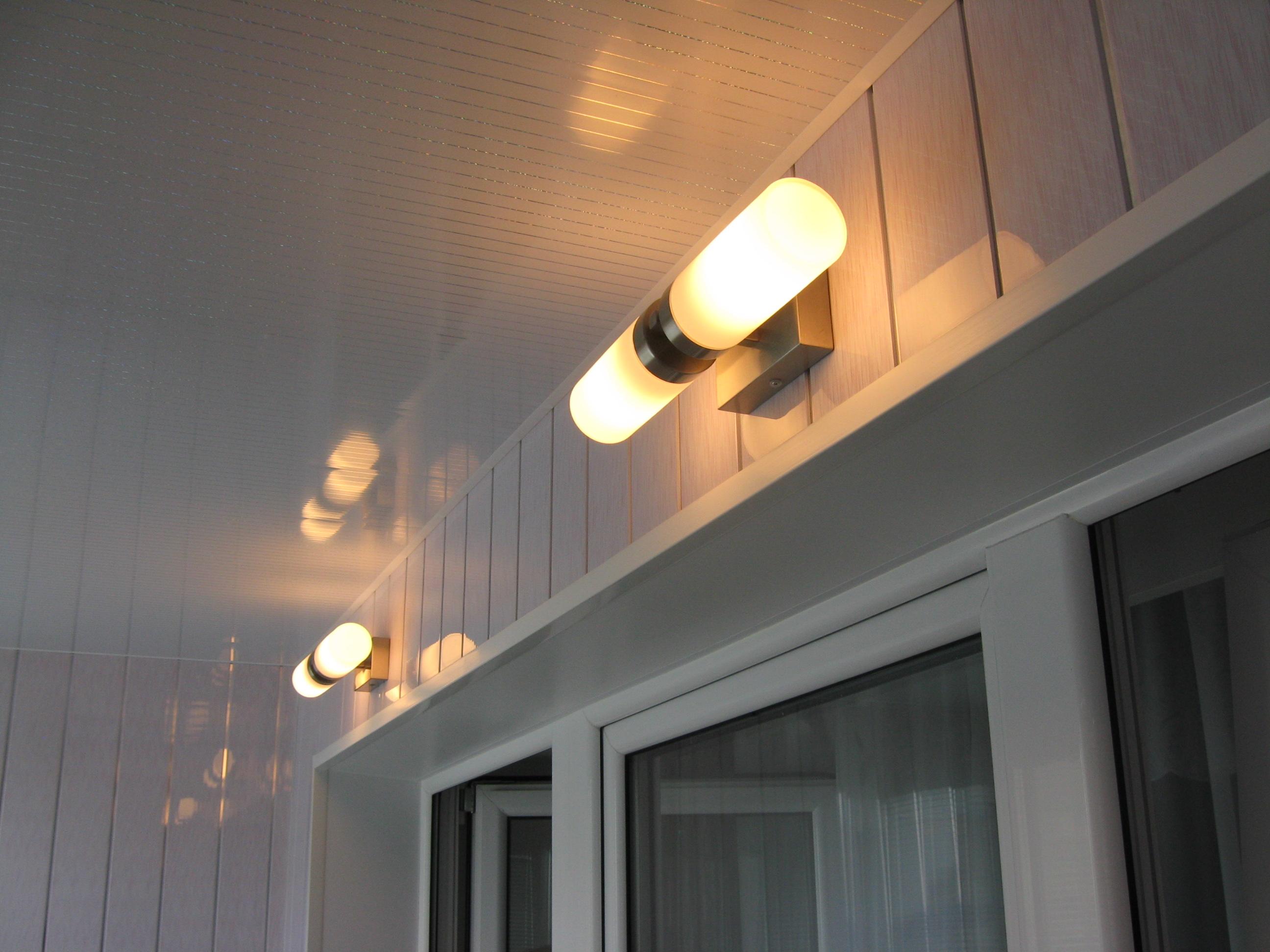 Как сделать освещение на балконе.